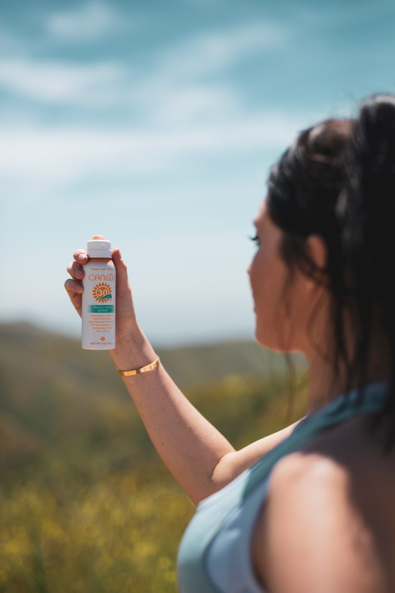 CBD SUNSCREEN: A Must Item That You Need And You Will Live Without